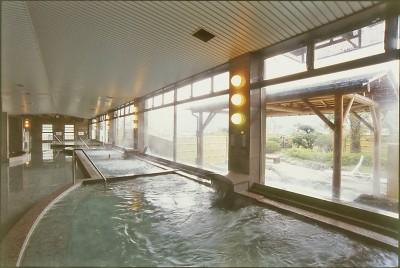 【内風呂】炭酸泉や塩の湯など変わり湯もご用意しています。