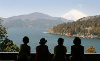 総長50mにも及ぶ一面ガラス張りの窓からは、箱根・芦ノ湖の大パノラマを見渡すことができます。 その眺...