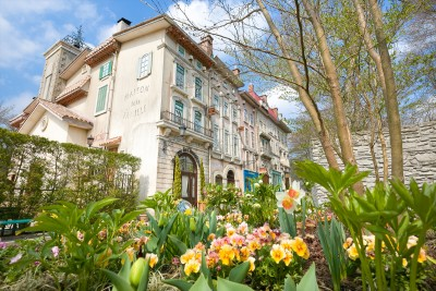 ヨーロピアン・ガーデンや作者ゆかりのフランス風の街並み等、どこを撮ってもフォトジェニック