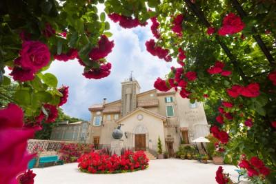ガーデンデザイナー吉谷桂子さんがプロデュースするガーデン。5月下旬~7月上旬はバラが見頃